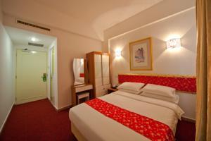 Hotel 101 Geylang Serai, Singapore