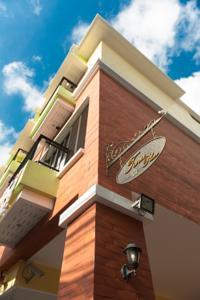 Cochrane Place Hotel Darjeeling, West Bengal