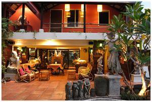 Hotel Broadway Darjeeling, West Bengal